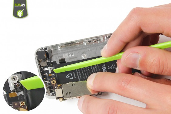 Step 18 - image 2 - Power Cable + Vibrator and Volume Button repair