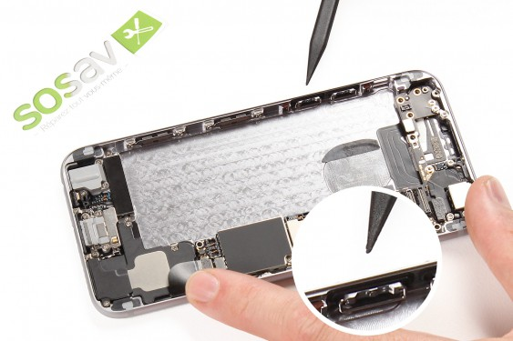 Step 20 - image 1 - Lower Volume Button repair