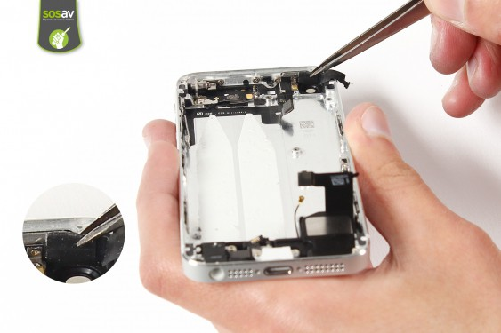 Step 24 - image 1 - Power Cable + Vibrator and Volume Button repair