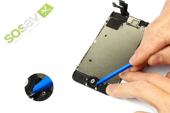 Step 12 - image 2 - Home button repair