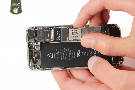 Step 17 - image 3 - Power Cable + Vibrator and Volume Button repair