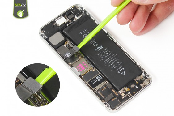 Step 11 - image 2 - Power Cable + Vibrator and Volume Button repair