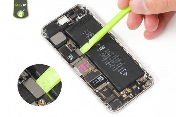 Step 11 - image 1 - LCD Screen Clip repair