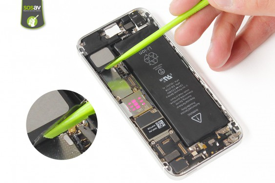 Step 11 - image 3 - LCD Screen Clip repair