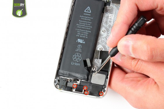 Step 19 - image 1 - LCD Screen Clip repair