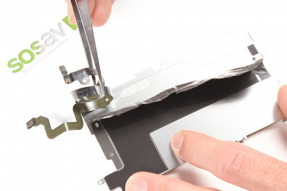 Step 17 - image 1 - Home Button Cable repair
