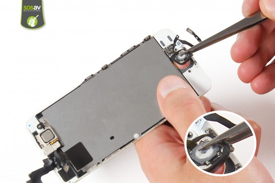 Step 11 - image 1 - Home button repair