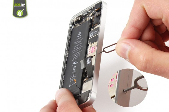 Step 13 - image 2 - LCD Screen Clip repair