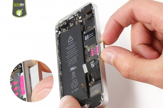 Step 14 - image 1 - LCD Screen Clip repair