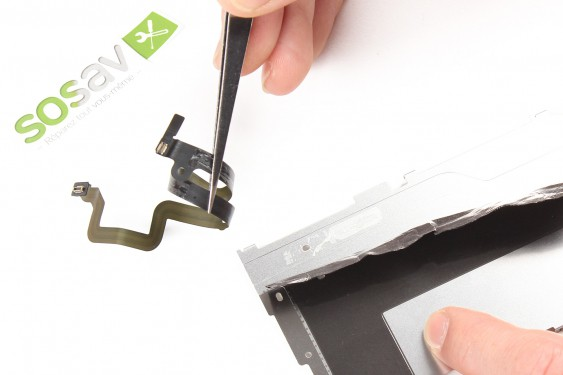Step 17 - image 2 - Home Button Cable repair