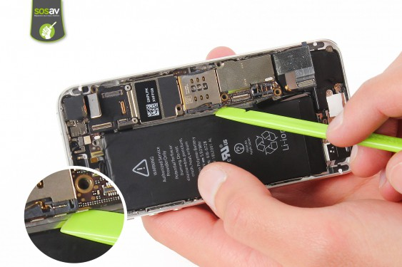 Step 17 - image 1 - LCD Screen Clip repair