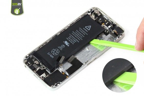 Step 22 - image 1 - LCD Screen Clip repair